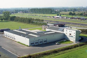 3_construction_industrielle_garage_showroom_herbosch__tmb