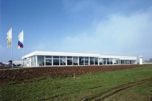 4_construction_industrielle_garage_showroom_muzzolini__tmb